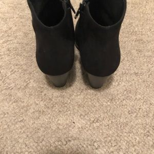 Old Navy Shoes - Black Old Navy Booties Size 9